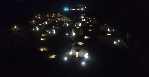 千岛湖进贤湾国际度假村的星空帐篷
